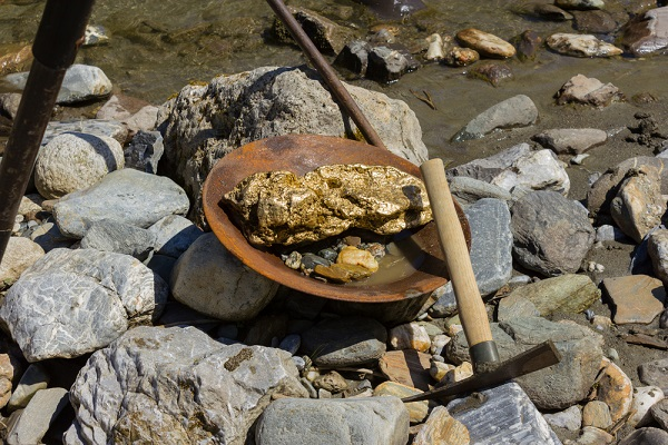 largest gold nugget in wyoming