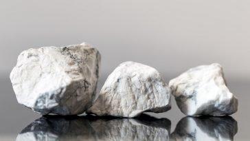 howlite vs magnesite