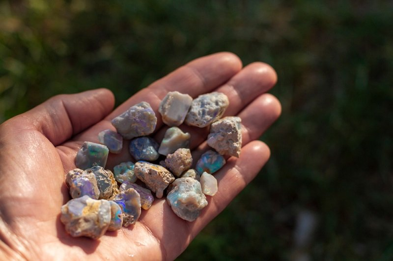 where to find opals